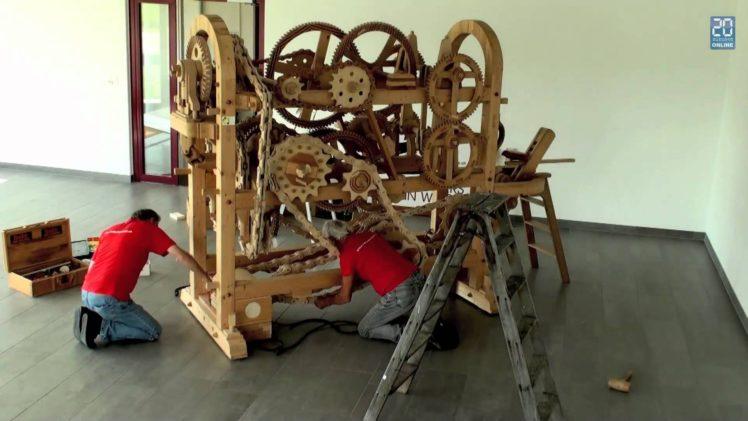 Holzmaschine aus der Schweiz